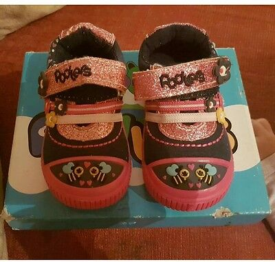 Baby Girls Podlers Glitter Shoes / Pumps / Trainers Size 4 Bnib