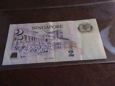 Singapore 2 dollar bank note, circulated     M430