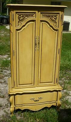 Vintage Ornate Wood French Provincial Armoire Local Pick Up 33412 17G072