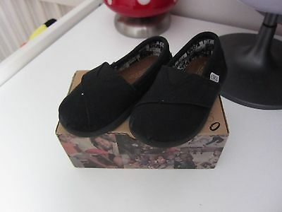 TOMS taille EUR 22 (UK 5) comme NEUF!