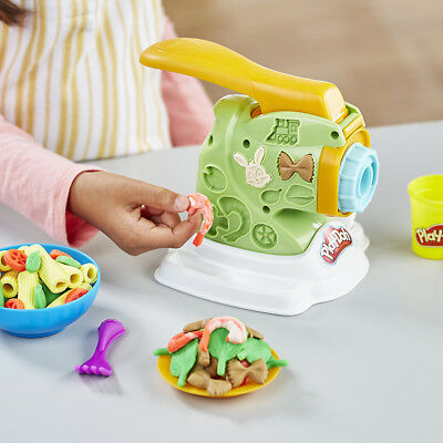 Play-Doh Kitchen Creations Noodle Makin' Mania - NEW