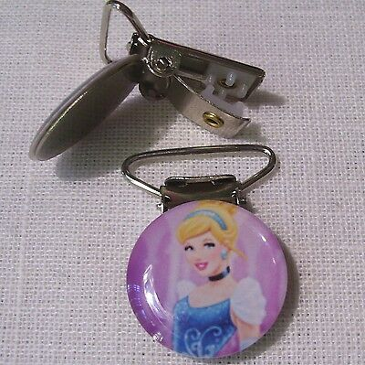 C28 - Clip Pince Bretelle, Crocodile, Attache Tétine - Princesse Cendrillon