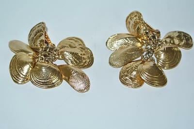 Napier Vintage Clams Shels Oysters Goldtone Clip Earrings Signed