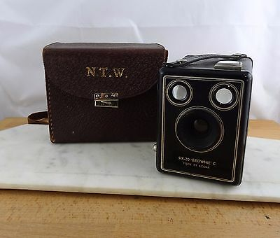 Vintage Kodak Six -20 Brownie C Box Camera Made in England With Case