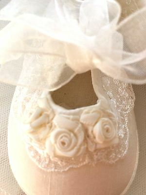 New LITTLE DARLINGS Beautiful Ivory Satin CHRISTENING BOOTIES SHOES Size One