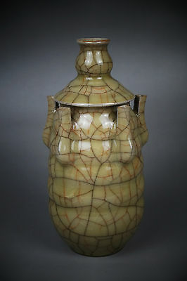 A Fine Collection of Chinese 11thC Guan Ware Porcelain Shouchang Five Year Vase