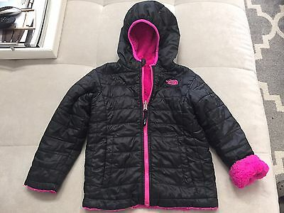 $110 Girls Size 5 The North Face Reversible Mossbud Jacket Black Pink