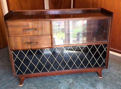 Vintage & Retro Walnut 1950s/1960s Sideboard Display Cocktail Cabinet
