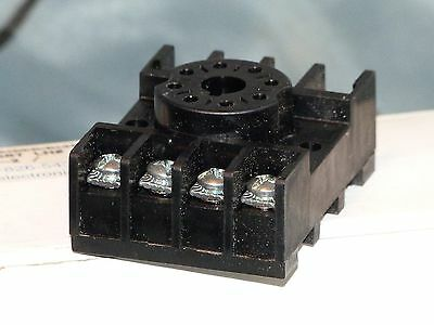 0T08-PC Relay Socket Octal 8 pin, DIN Rail Mount, 600 V 10 Amp, Lot of 10