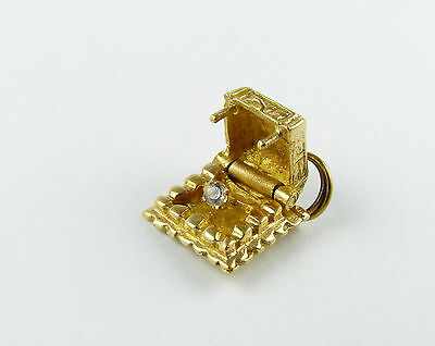 Vintage 14k yellow gold diamond engagement ring  in a moving box charm