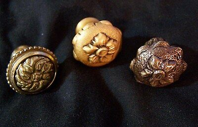 """3 Antique Vintage SOLID BRASS Heavy Knobs Drawer Hardware Pulls 1"""" Flowers ITALY"""