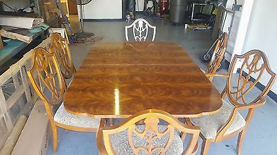 Drexel Heritage Dining Table and 8 Chairs Set