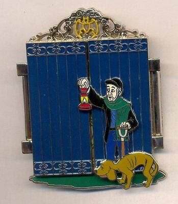Disney Haunted Mansion Happy Haunts Gate Keeper LE 500 Jumbo Pin Signed