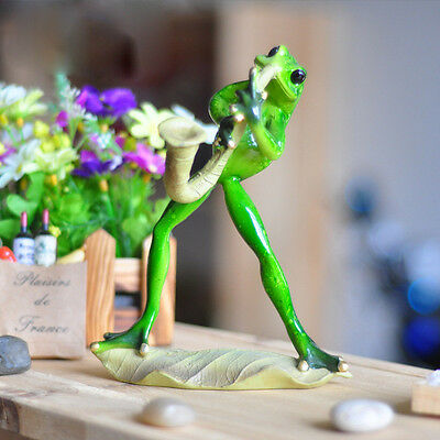 1X Green Frog Figurine Resin Frogs Colleation Playing Musical Instruments