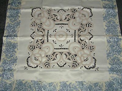 Ivory Blue Rose Trim Battenberg Embroidered Lattice Tablecloth Easy Care 80s New