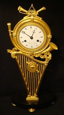 Pendule Empire ''Harpe'' en bronze doré (french gilt ormolu clock)