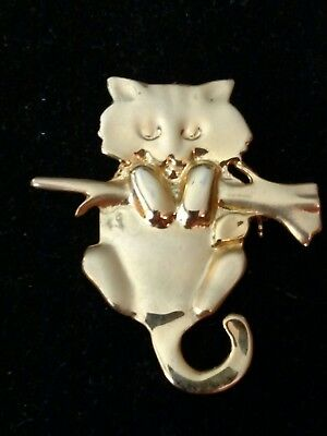 Gold Tone Kitty Cat Pin Brooch Kitten Hanging on a Branch Necklace Pendant