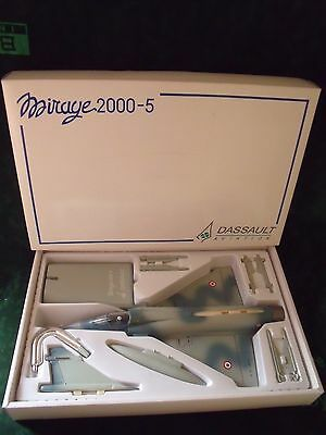 très/Very RARE Maquette  MIRAGE 2000-5 DASSAULT AVIATION LUPA MODELS 1:48 TOP