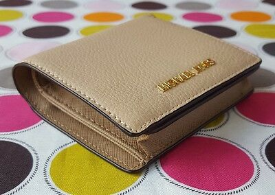 New Michael Kors  Mercer Carry All Card Case Leather  Wallet in Oyster.