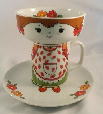 Vintage Little Girl Stacking Dinner Set BOWL PLATE CUP MUG Mod STRAWBERRY Japan