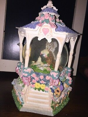 San Francisco Music Box Co Love Birds Water Globe Cant Help Falling In Love With