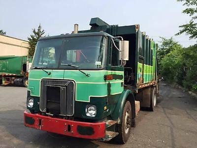 Trash Rear Load Garbage 2002 Volvo Expeditor 20Yd Leach 2Rii Body