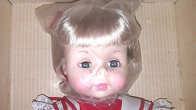 Vintage Effanbee Suzie Velveteen Durable 18 Inch Doll #1865 ~ Mint in the Box