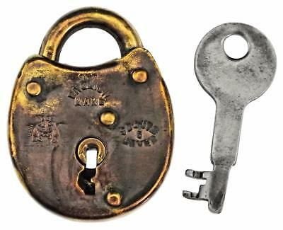 "Vintage Brass Padlock with Key 1⅞"" Lowe & Fletcher Squirrel Trademark - ref.P456"