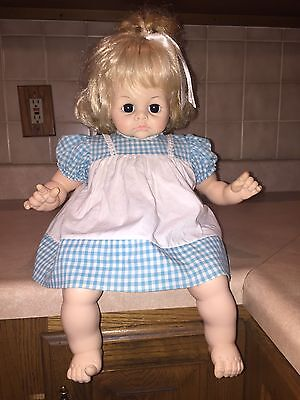 "18"" 1965 Madame Alexander Pussycat Doll With Blonde Hair In Original Dress"