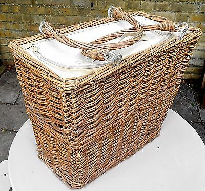 Vintage Large Wicker Picnic Basket With Insulated Liner & Zip Lid.