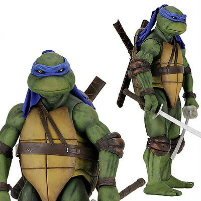 Teenage Mutant Ninja Turtles (1990) - Leonardo 1:4 Scale Action Figure By NECA