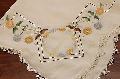 Vintage Hand Embroidered Tablecloth - Daisies - 34 inch square -GVC