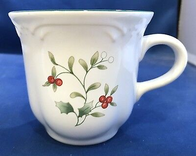 Pfaltzgraff Winterberry Cup (s) Holly Red Berries