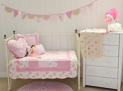4 pce Linens n Things Mia Girls Baby Cot Quilt Vintage Floral Shabby Chic