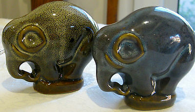 Two Collectable Retro Vintage Ceramic Elephant Figural Ornaments (387)