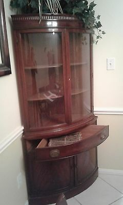 1930'S ANTIQUE MORGANTON ROUND GLASS Corner cabinet and matching dinning room