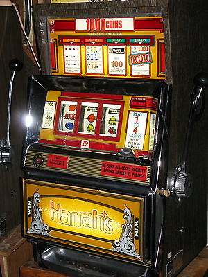Antique Vintage Bally's Slot Machine' (Harrah's)  Clean And In Beautiful Shape!