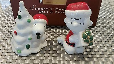 New With Box Lenox Snoopy Christmas Charlie Brown Salt & Pepper Shakers 2004