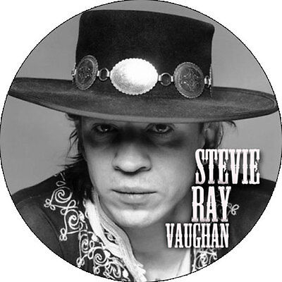 CHAPA/BADGE STEVIE RAY VAUGHAN . pin button blues muddy waters elmore james hend