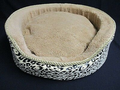 Medium Pet Bed, Cat / Dog / Puppy - Soft Fleece Basket with Luxury Cushion, 50cm