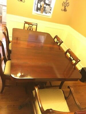 1949 Antique Dinning Room Set fully restored 2 years ago, with 6 chairs.