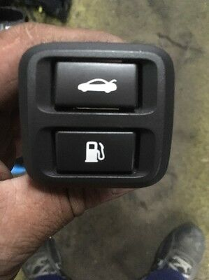 Ford Ba Bf Falcon Fairmont Xr8 Xr6 Boot Lid Petrol Fuel Cap Release Switch Vgc