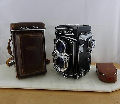 Vintage Yashica 635 Twin Lens Film Camera Ex Cosmetic Cond. TLR WORKING