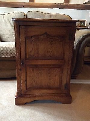 Traditional style Oak Cupboard in the style of Titchmarsh & Goodwin