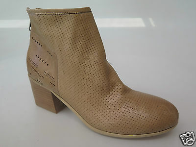 Django & Juliette - new ladies leather ankle boot size 37 #143 *CLEARANCE*