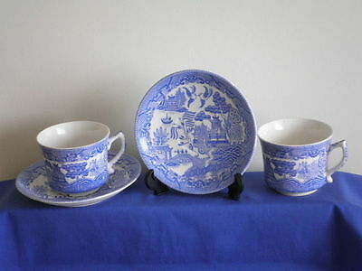 Pair of Teacups & Saucers, Willow Pattern, Blue, Made in Japan