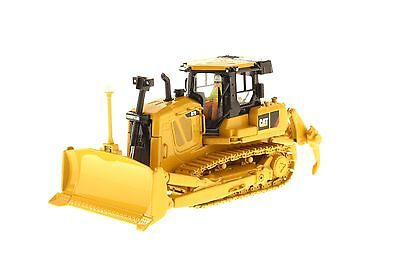 Caterpillar® 1:50 scale Cat D7E Track-Type Tractor - Diecast Masters 85224