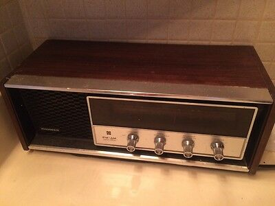 Vintage Panasonic RE-7369 AM/FM Solid State Radio, Tabletop Wood Cabinet 70s guc