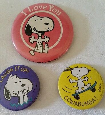 Set Of 3 Vintage Hallmark Peanuts Snoopy Pin Back Buttons