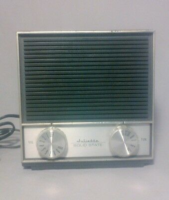 Vintage TOPP Juliette Model AR-822 Solid State AM electric table Radio
